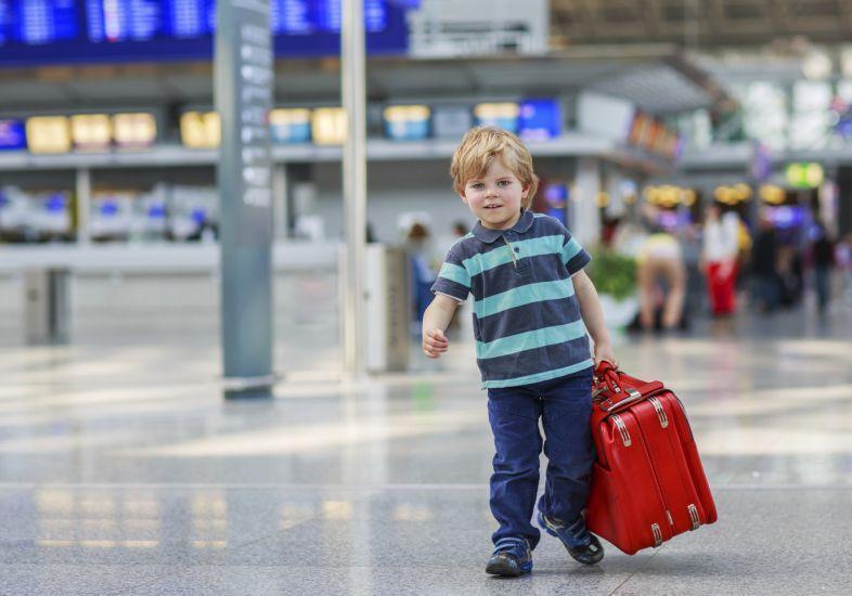 Viagem Internacional com Crianças Menores de Idade – Documentos Exigidos